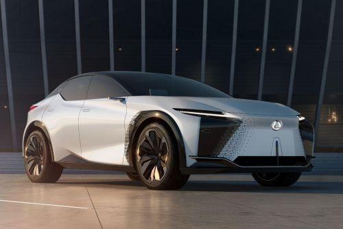 Lexus представил электрический кроссовер с запасом хода 600 км