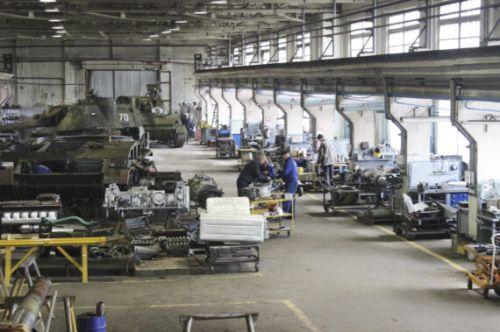 Стало известно, сколько техники восстановил Шепетовский ремонтный завод за 7 лет - завод