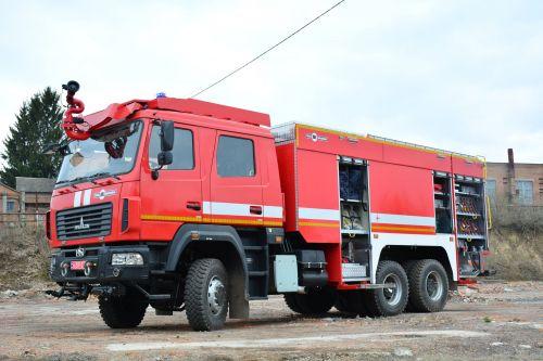 ВСУ получили крупнейшую партию пожарных автомобилей