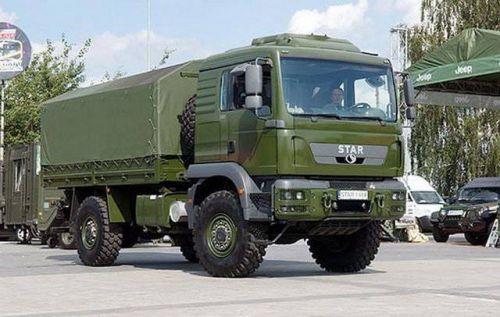 Польша передала для ВСУ армейские грузовики Star