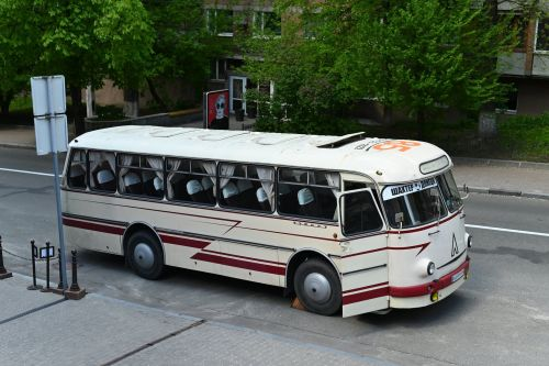 ФК «Шахтер» пересел на ретроавтобус ЛАЗ-697М «Турист»
