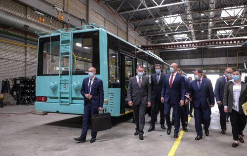 Премьер-министр Украины посетил Черниговский автозавод
