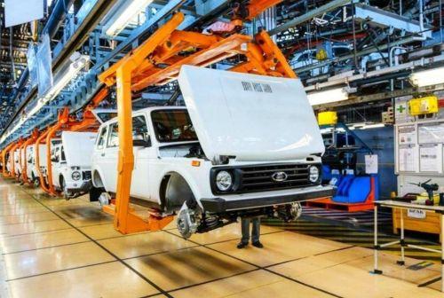 АвтоВАЗ вновь останавливает конвейер из-за нехватки комплектующих