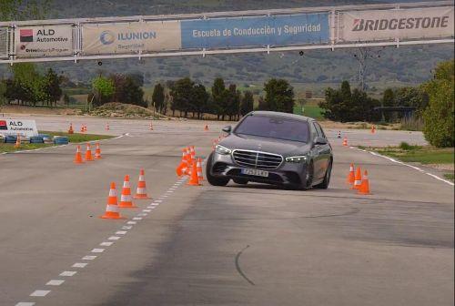 Новый Mercedes-Benz S-класса провалил «лосиный тест»