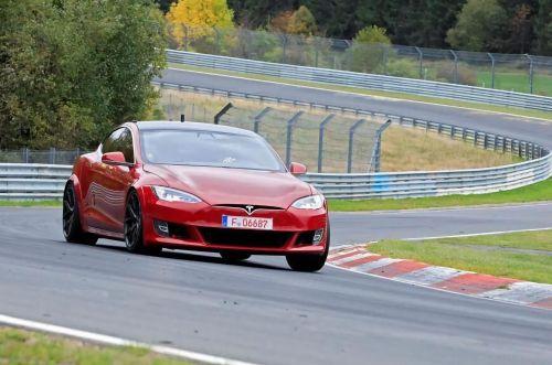 Tesla Model S побила рекорд Porsche Taycan на Нюрбургринге