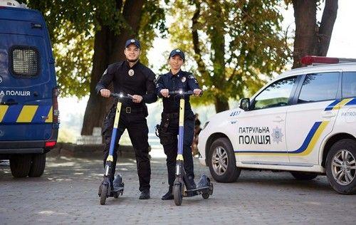 В Украине полицейские начнут патрулировать улицы на самокатах - самокат