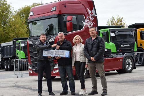 Покупатели Scania V8 возвращаются за следующим грузовиком