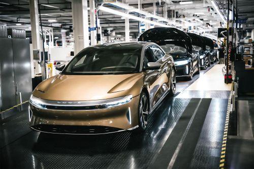 Не Tesla единой. Стартовало производство электромобиля с запасом хода 837 км