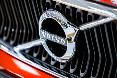 Volvo придется отозвать 500 тыс. авто по всему миру