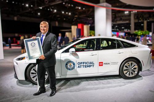 Водородный Toyota Mirai установил новый рекорд по дальности хода - 1360 километров - Toyota