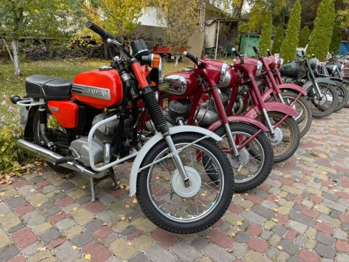 В Украине нашли огромную коллекцию редких мотоциклов