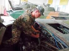 Цена войны: За время АТО военные механики отремонтировали 19 тыс. единиц техники - военная техника