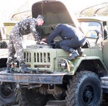 Кто и как ремонтирует технику в зоне АТО. Рассказ очевидца