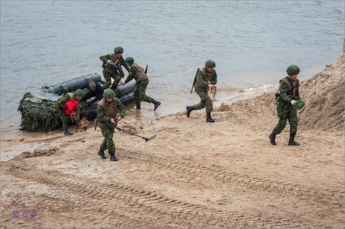 В России показали, с помощью какой техники армия сможет форсировать любую реку за 1 час.