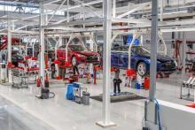 Tesla готовит электро грузовик и электро автобус