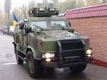 Погранвойска получили новую партию бронированной техники. Видео