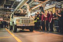 Легендарный Land Rover Defender ушел на покой? Фото