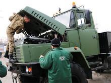 КрАЗ восстановил еще два армейских автомобиля