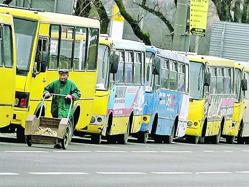 В Киеве с 23 марта полностью остановят весь городской транспорт