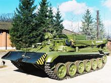 Во Львове выпустили тягач для танков. Фото
