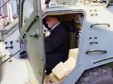 Петр Порошенко протестировал БТР-4. Видео