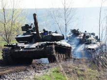 Как заправляют танки на поле боя. Фото