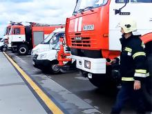 Какая автотехника проводит аварийно-спасательные работы в аэропортах. Видео
