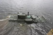 """Украинский БТР-4Е """"Буцефал"""" успешно прошел испытания на воде. Видео"""