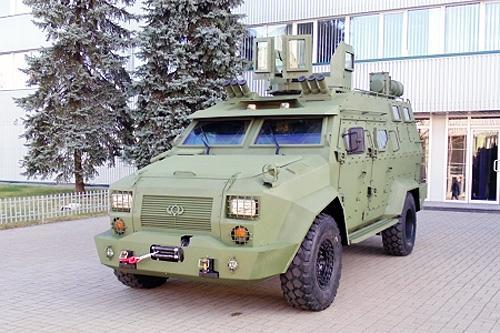 Как украинский бронеавтомобиль Богдан Барс-8 проходит государственные испытания. Видео