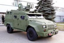Бронированный БАРС-8 и «командирский» Богдан 2351 протестировали на полигоне - Богдан