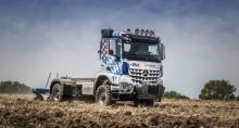 Mercedes-Benz покажет грузовик, который может работать в поле вместо трактора