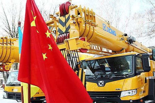 Украинские спасатели получат еще 50 единиц аварийно-спасательной техники из Китая