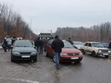 """Владельцы авто иностранной регистрации заблокировали КПП """"Ужгород"""" - иностран"""