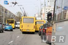 В Киеве второй день подряд протестуют водители маршруток
