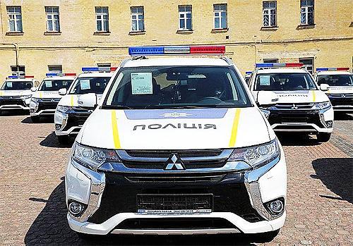 Гибридные Mitsubishi Outlander на службе в полиции сэкономят 300 млн. гривен на топливе - Mitsubishi