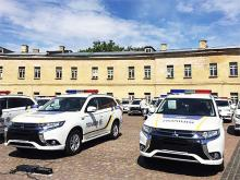 Полиция получила 635 автомобилей Mitsubishi Outlander PHEV - Mitsubishi