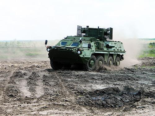 Минобороны получило 12 бронетранспортеров БТР-4Е