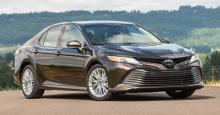 Toyota представила новое поколение Camry. Подробности и характеристики