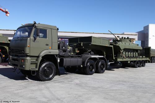 Россия формирует специальные части многоосных тяжелых колесных тягачей для переброски танков на тысячи километров - тягач