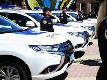 Президент начал передавать Mitsubishi патрульной полиции в регионах - Mitsubishi