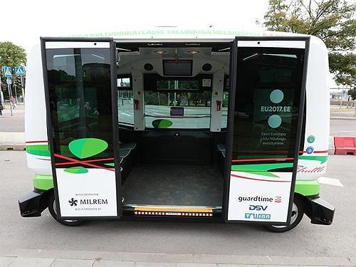В Эстонии на маршрут вышли беспилотные автобусы