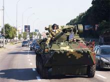 Сегодня по Киеву ездила военная техника - воен