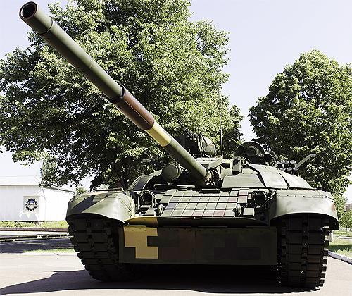 В Киеве разработали более защищенную и эффективную версию танка Т-72 - танк