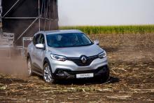 В августе Renault покоряли украинские поля