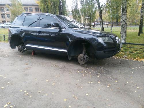 В Киеве массово воруют колеса с авто - колес