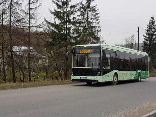 Украинский электробус Электрон Е191 своим ходом прибыл из Львова в Каменец-Подольский