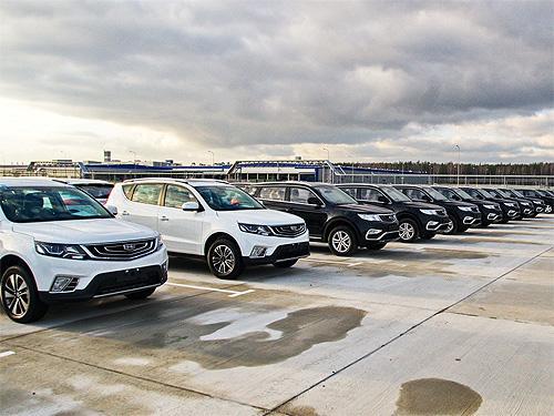 Продажи новых авто в Китае упали в 12 раз