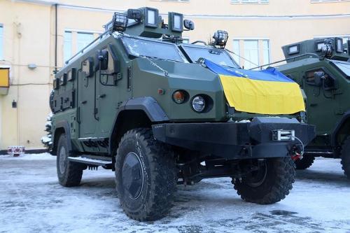 """Подразделения Национальной Гвардии начали получать новые бронеавтомобили """"Варта"""""""