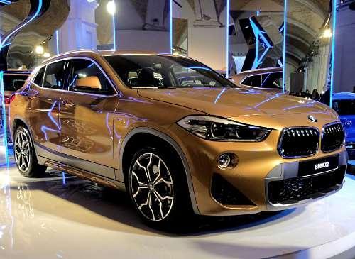 Рискни быть другим. BMW X2 - официальный автомобиль недели моды Ukrainian Fashion Week - BMW