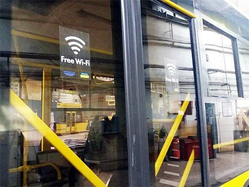 388 новых больших троллейбусов и автобусов «Богдан» в 9 городах возят людей бесплатно - Богдан